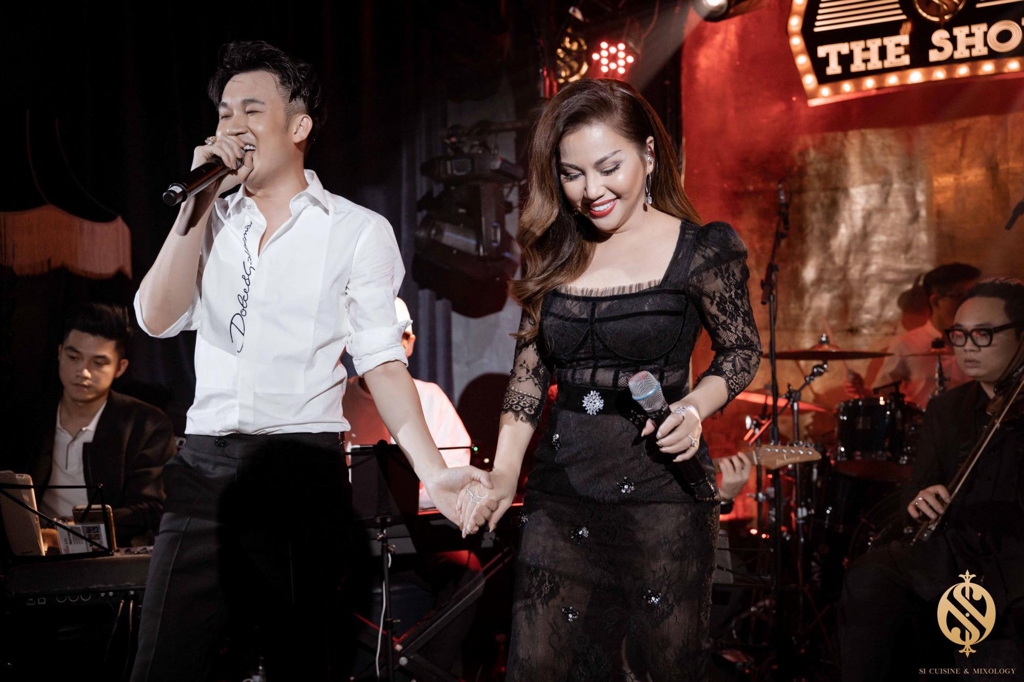 Minh Tuyết - Dương Triệu Vũ mang không khí trữ tình đến với người yêu nhạc Hà Nội - Ảnh 3.