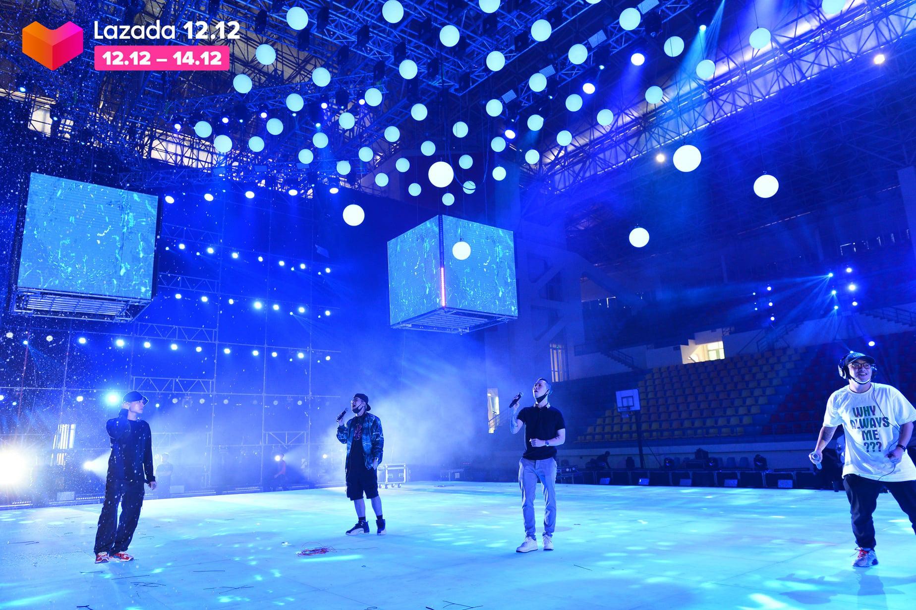 Sân khấu Lazada 12.12 Super Show trước giờ G: Đen Vâu, Jack, Dế Choắt... tích cực tập luyện, hứa hẹn một đêm nhạc hội đã tai, đã mắt - Ảnh 3.