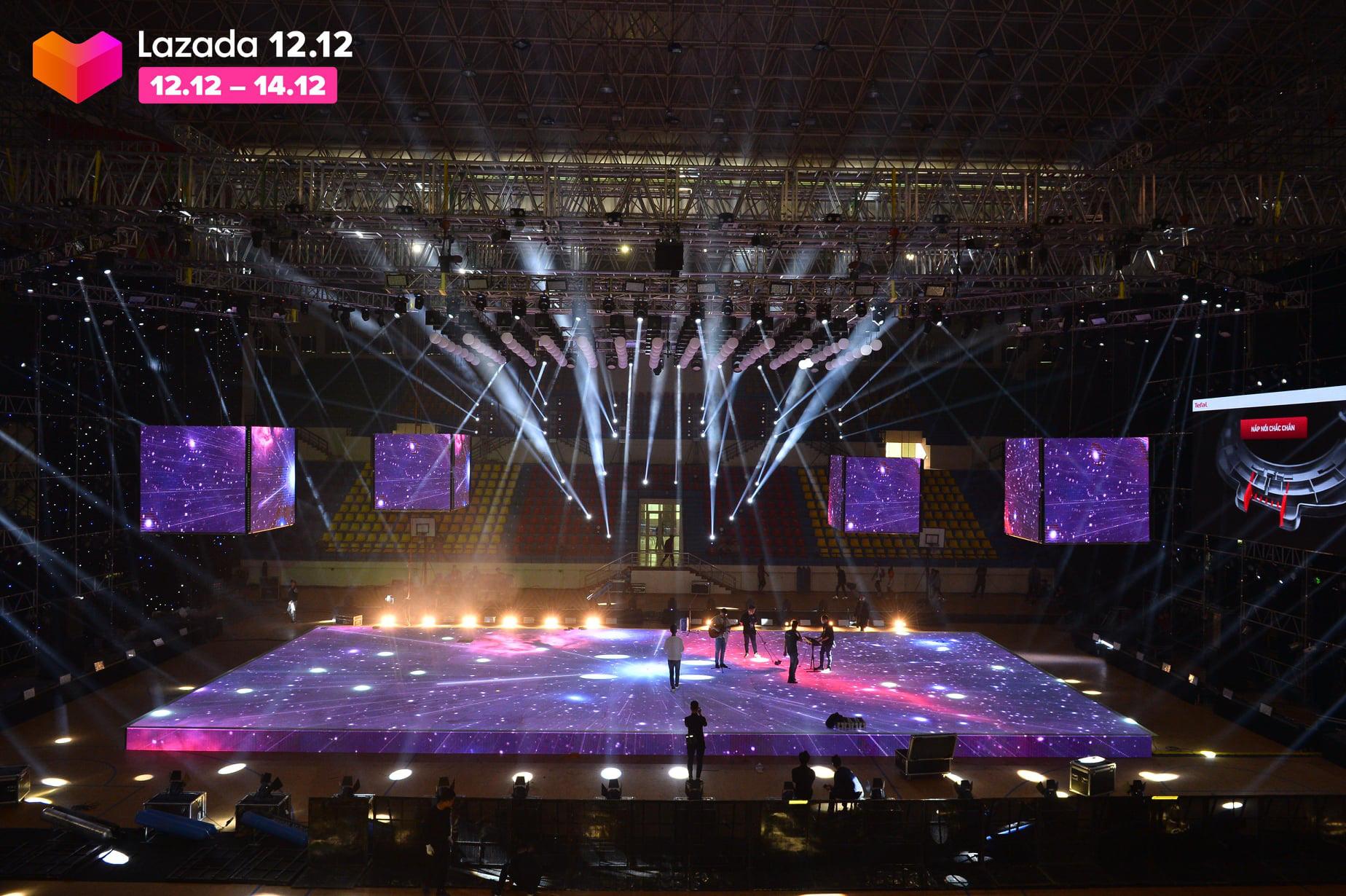 Sân khấu Lazada 12.12 Super Show trước giờ G: Đen Vâu, Jack, Dế Choắt... tích cực tập luyện, hứa hẹn một đêm nhạc hội đã tai, đã mắt - Ảnh 7.