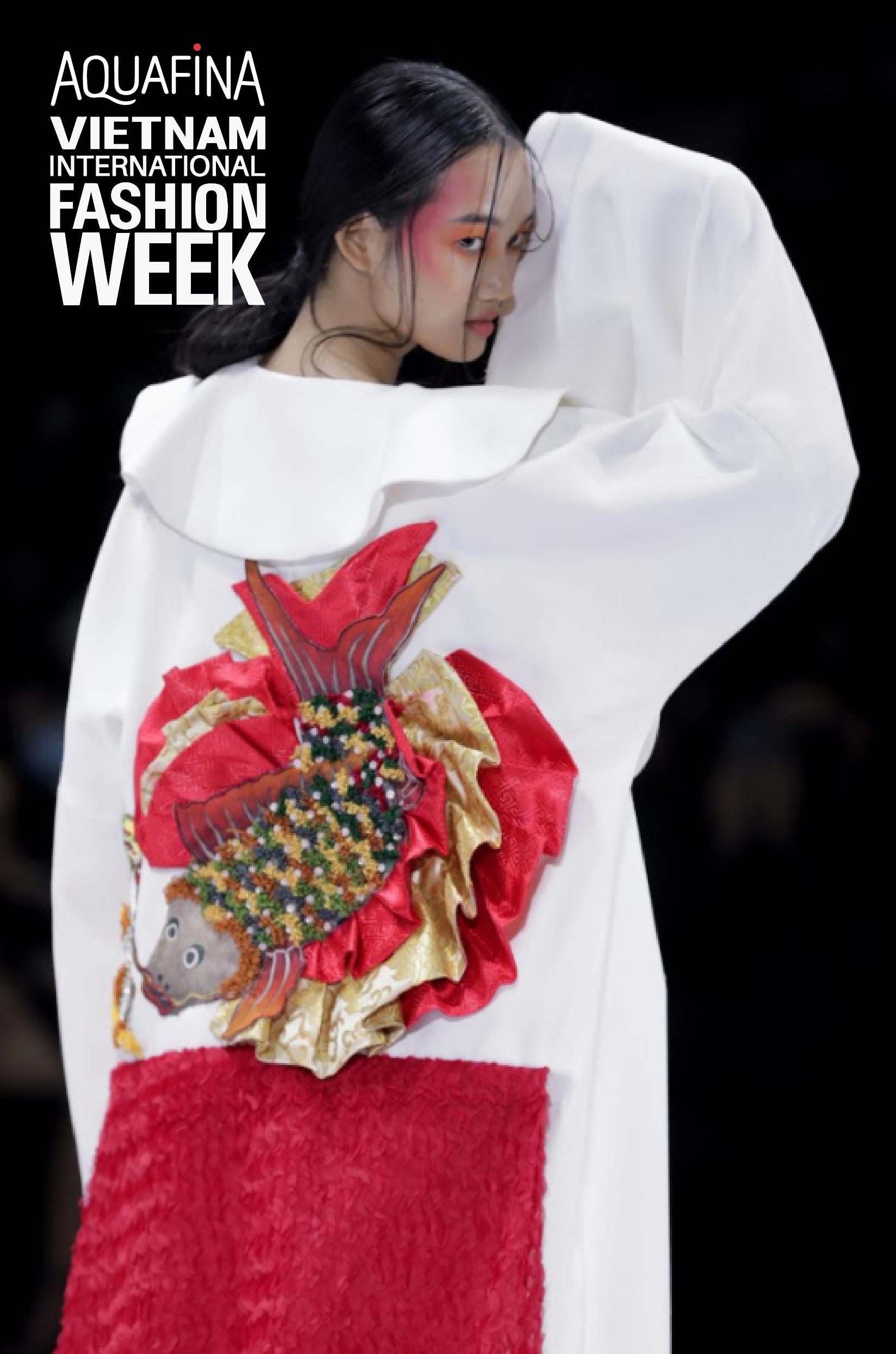 Xem Aquafina Tuần lễ Thời trang Quốc tế Việt Nam 2020 mới thấy: Nước mình còn vô vàn cảm hứng sáng tạo, cần chi đâu nước ngoài? - Ảnh 7.