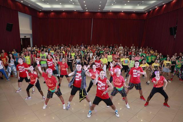 Zumba® Fitness - Bộ môn thể dục có tác dụng diệu kỳ dành cho mọi lứa tuổi - Ảnh 1.