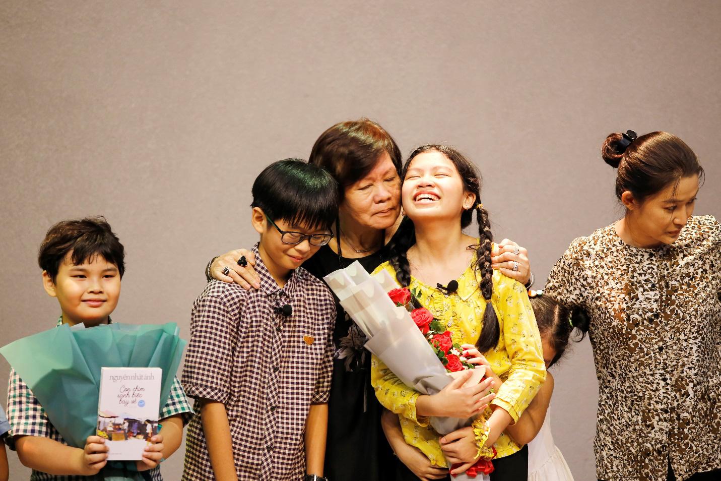 """""""Làm bạn với bầu trời"""" của nhà văn Nguyễn Nhật Ánh lên sân khấu kịch học đường - Ảnh 1."""