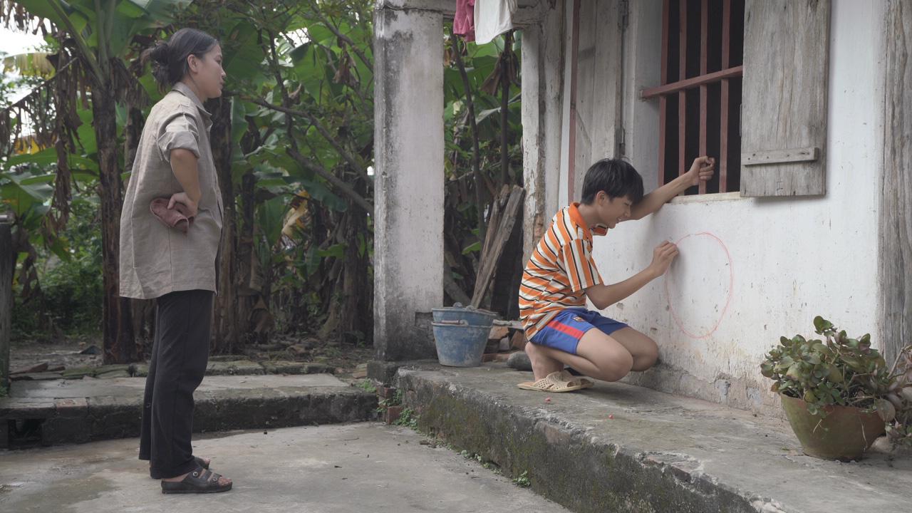 Benny thay lời Huỳnh Tú và Magazine gửi lời cảm ơn mẹ qua MV Gửi gió trao yêu thương - Ảnh 2.