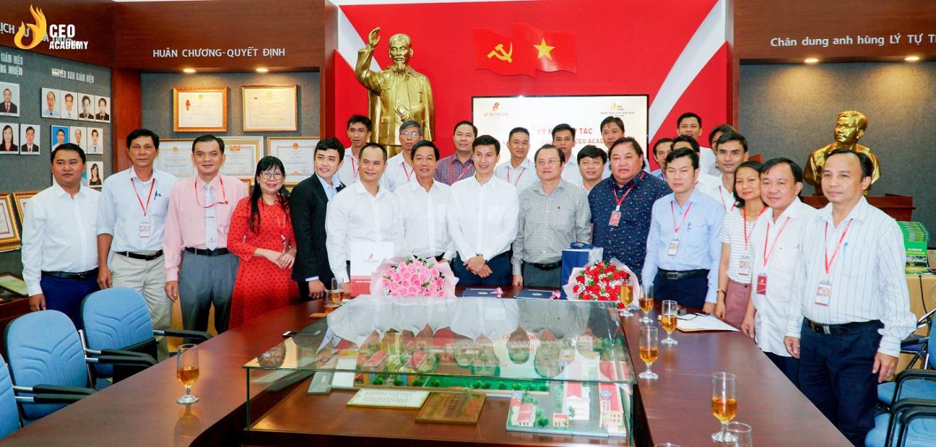 Công ty CP Trường huấn luyện doanh nhân CEO VN chính thức mở cơ sở tại TP.HCM, hiện thực hóa ước mơ CEO cho sinh viên Việt - Ảnh 4.