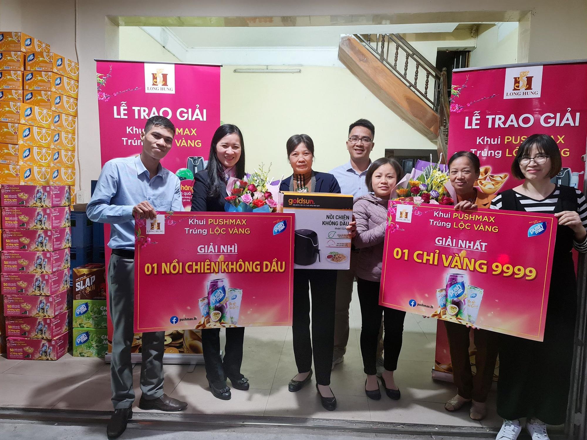 Lộ diện những khách hàng đầu tiên trúng giải trong chương trình Khui Pushmax - Trúng Lộc Vàng - Ảnh 1.