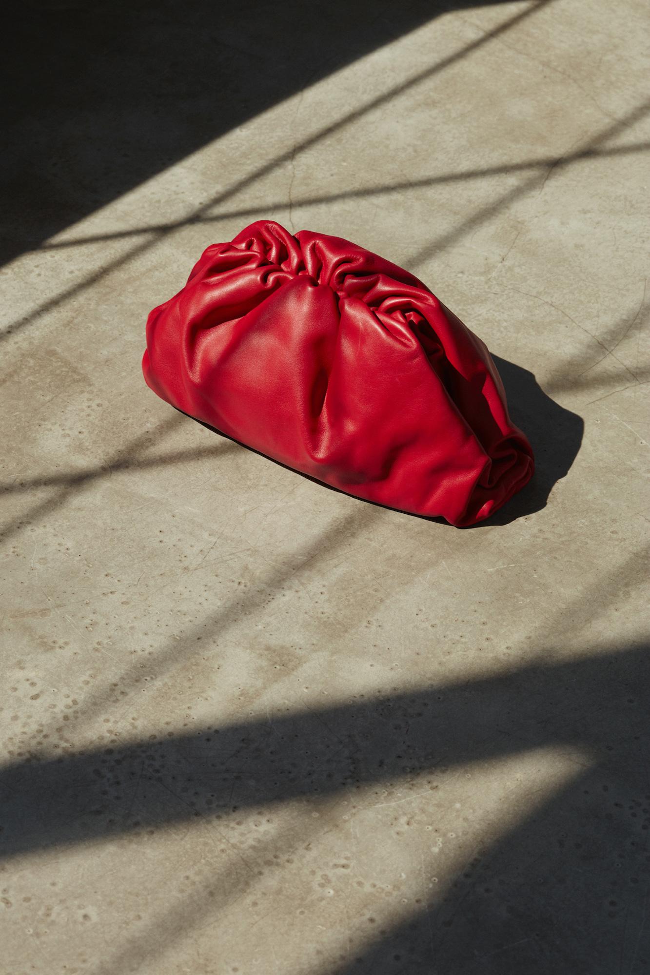 Từ Bottega Veneta: Tag ngay nửa kia vào 4 gợi ý quà Noel cho quý cô yêu thời trang - Ảnh 2.