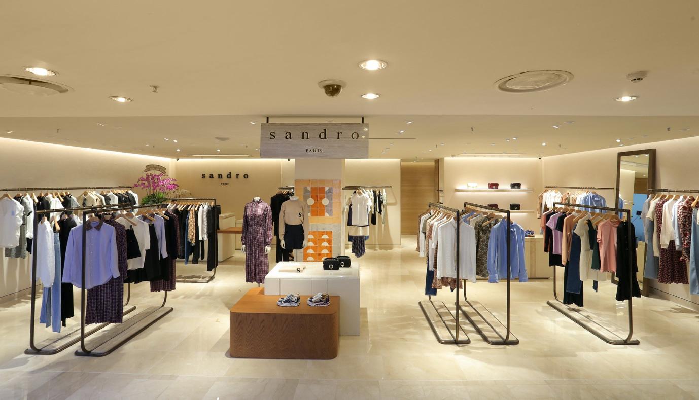 Khả Ngân, Hà Trúc, Monsimi Và Tú Hảo tham dự khai trương cửa hàng Sandro đầu tiên tại Việt Nam - Ảnh 6.
