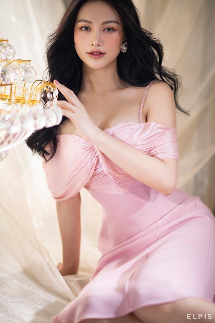 Dân tình ngỡ ngàng trước nhan sắc thăng hạng và vòng eo 58 của Hoa hậu Phương Khánh - Ảnh 3.