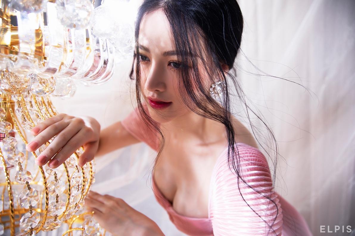 Dân tình ngỡ ngàng trước nhan sắc thăng hạng và vòng eo 58 của Hoa hậu Phương Khánh - Ảnh 6.