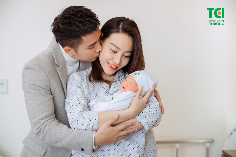 Vợ diễn viên Mạnh Quân (Lửa Ấm) vỡ ối sớm, hạ sinh con 4kg - Ảnh 6.