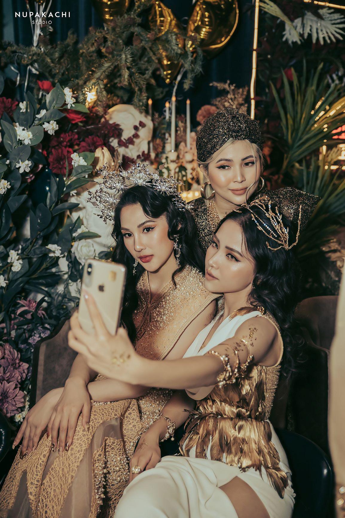 """""""Night of Queen"""" - Đêm tiệc mang phong cách Hy Lạp quy tụ dàn hotgirl đình đám Hà thành - Ảnh 8."""
