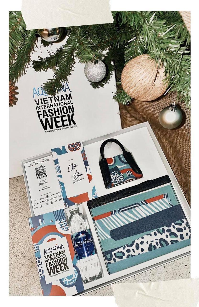"""Sao Việt """"unbox"""" hộp quà thời trang phiên bản giới hạn với thiết kế mang tinh thần BST mới của Aquafina - Ảnh 3."""