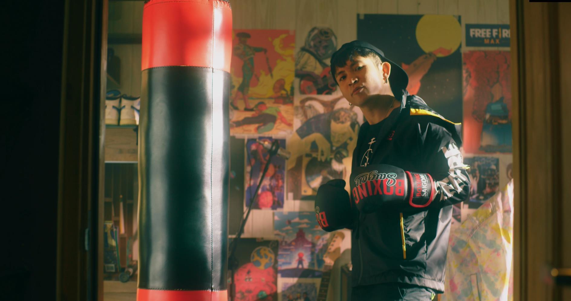 """Săm soi những chi tiết thú vị trong MV MAX - Ricky Star """"kill the beat"""" cùng Xesi - Ảnh 1."""