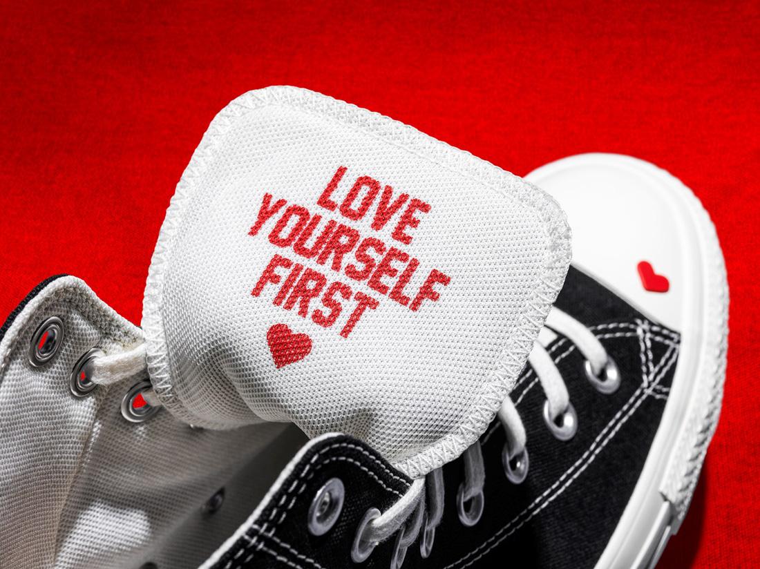 """Khi thương hiệu giày làm câu chuyện về mạng xã hội và thông điệp """"LOVE YOURSELF FIRST"""" ra đời - Ảnh 4."""