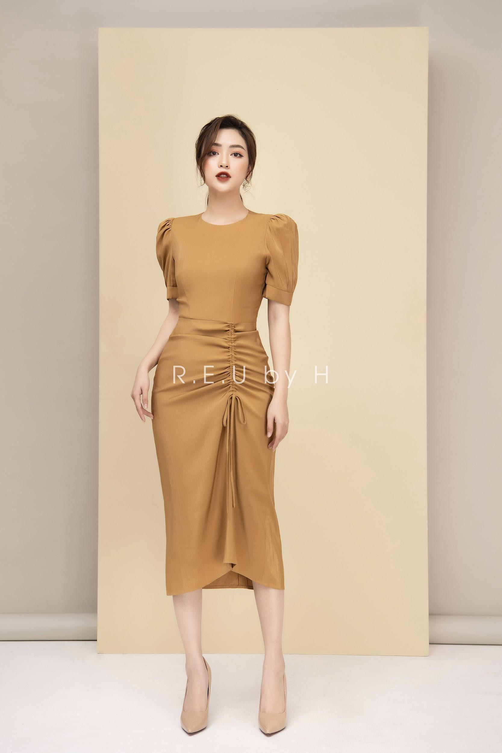 """REU Dress: đồ công sở không chỉ dừng lại ở """"formal, """"style & trend đang là xu hướng hiện nay - Ảnh 1."""