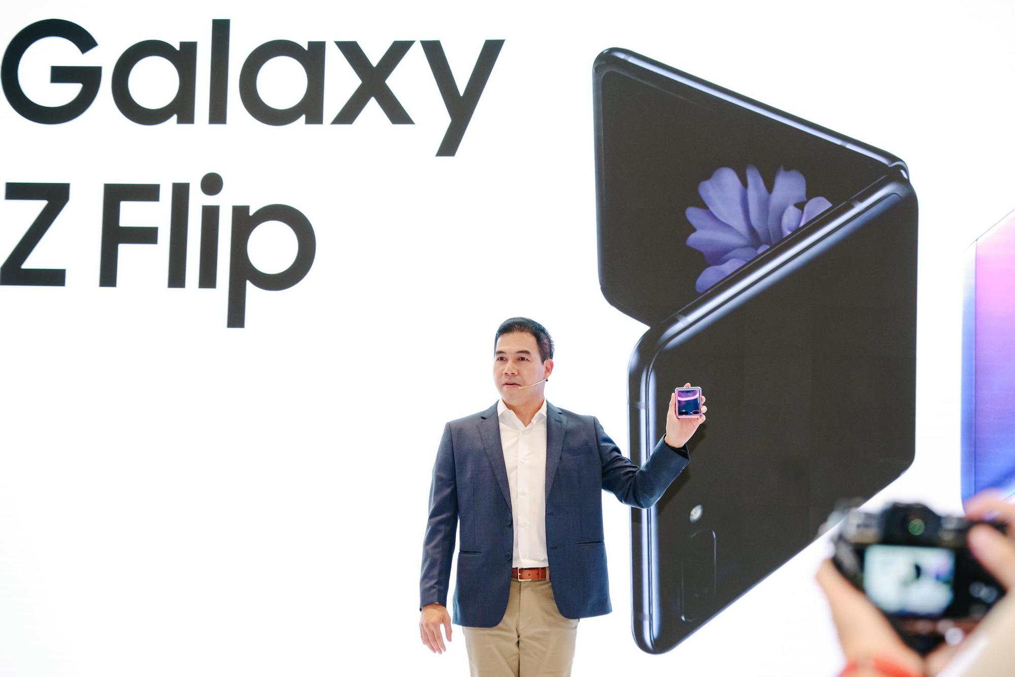 Galaxy Z Flip ra mắt chính thức tại Việt Nam, mở đầu xu hướng thời trang công nghệ mới - Ảnh 2.