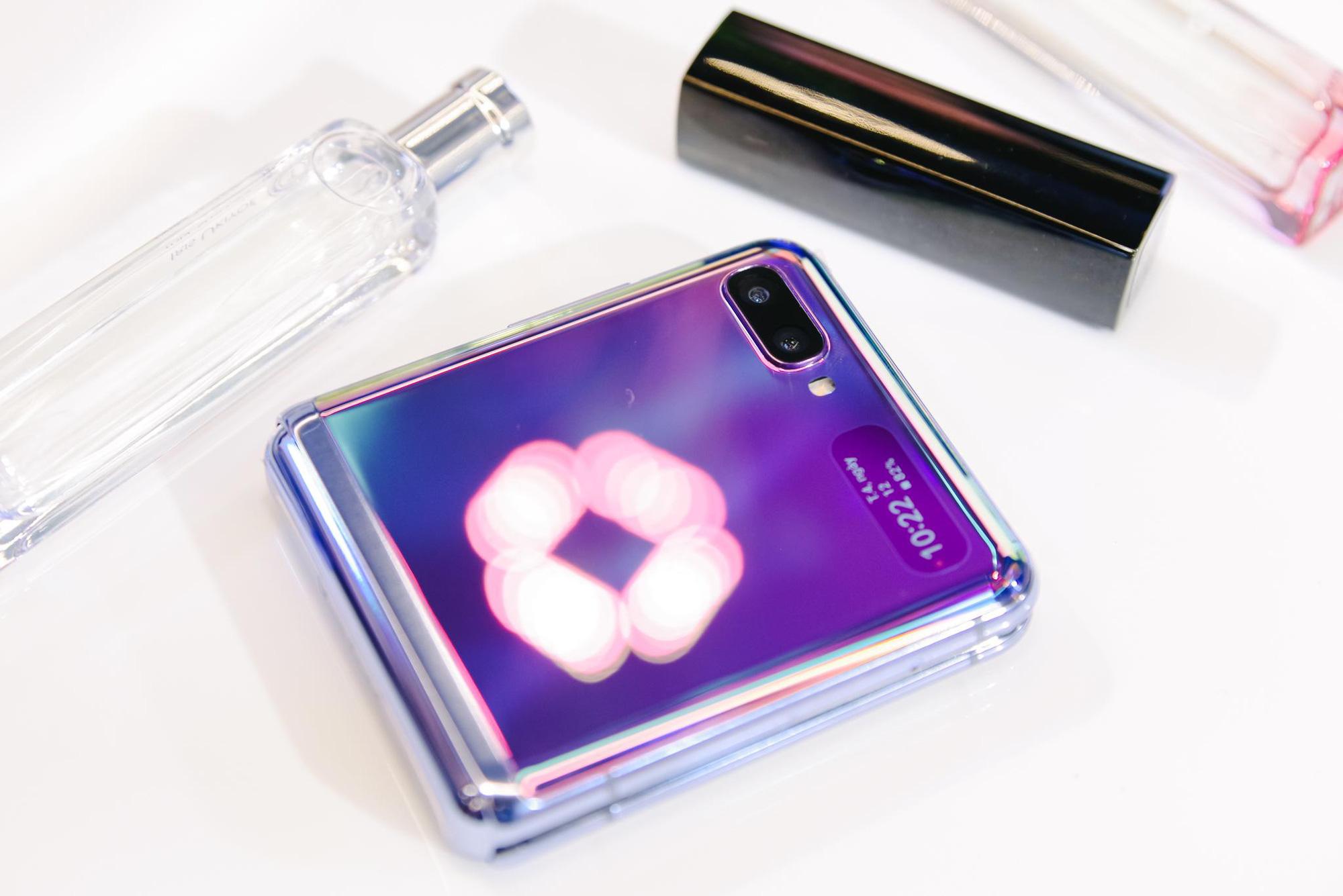Galaxy Z Flip ra mắt chính thức tại Việt Nam, mở đầu xu hướng thời trang công nghệ mới - Ảnh 6.