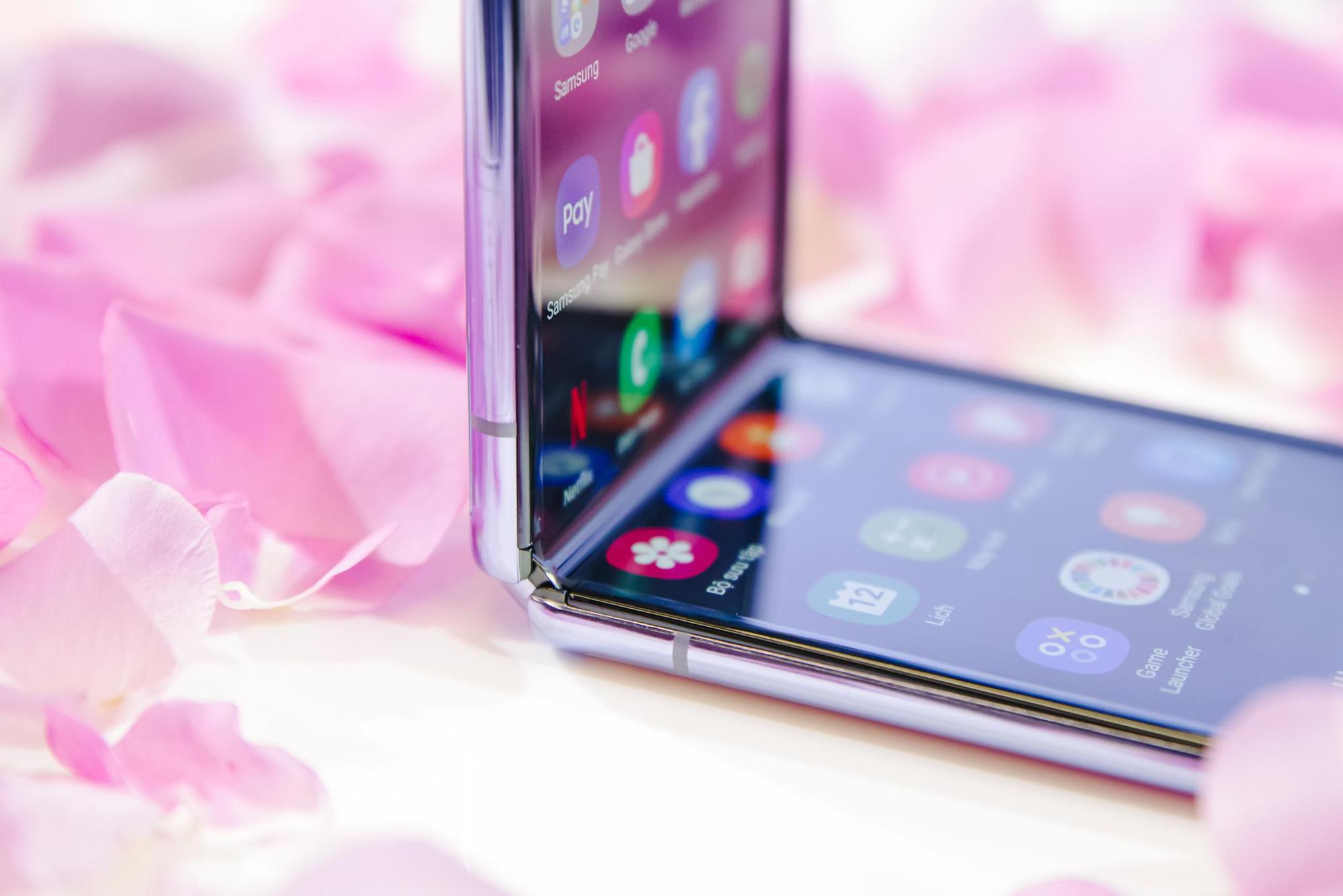Galaxy Z Flip ra mắt chính thức tại Việt Nam, mở đầu xu hướng thời trang công nghệ mới - Ảnh 7.