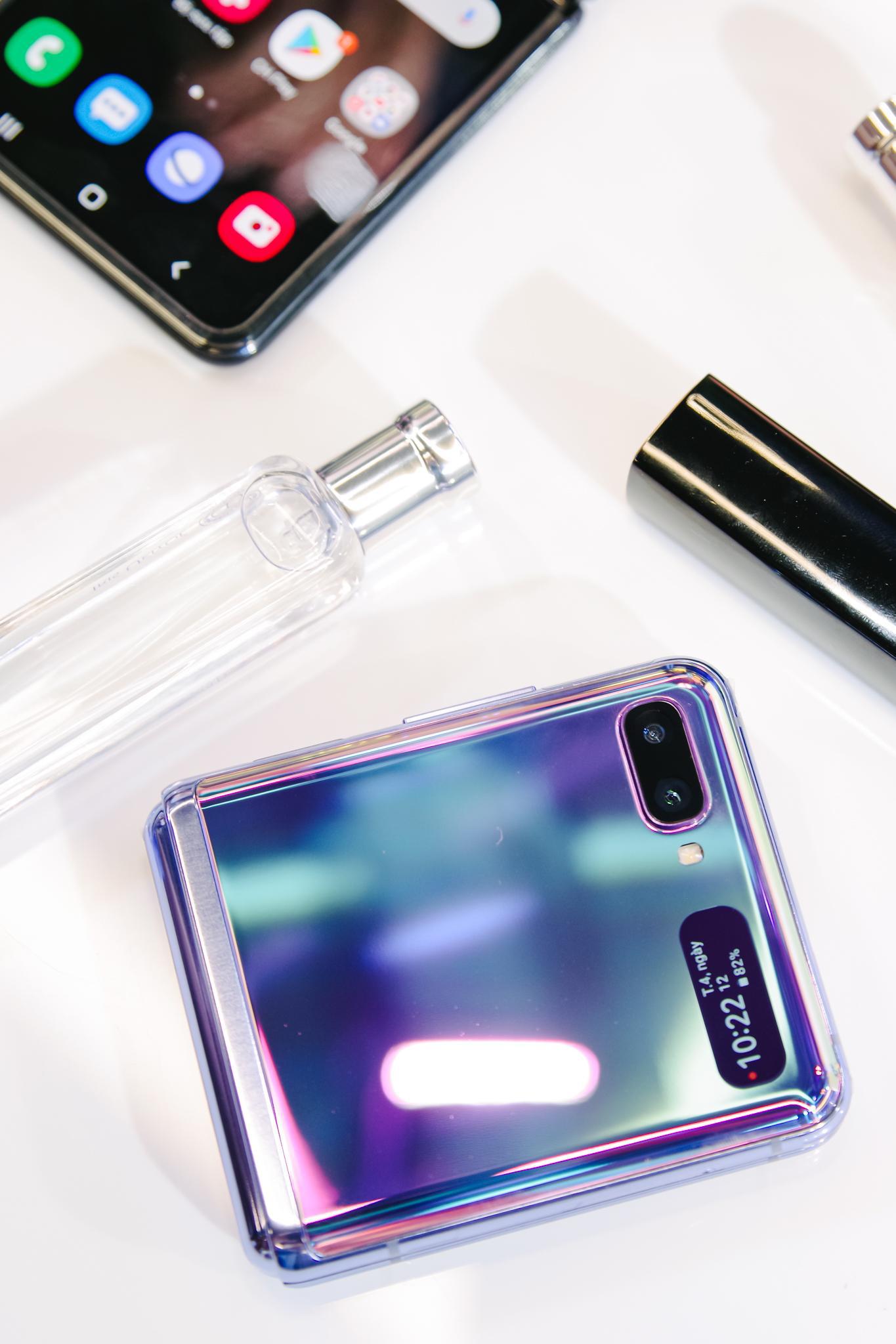 Galaxy Z Flip ra mắt chính thức tại Việt Nam, mở đầu xu hướng thời trang công nghệ mới - Ảnh 10.