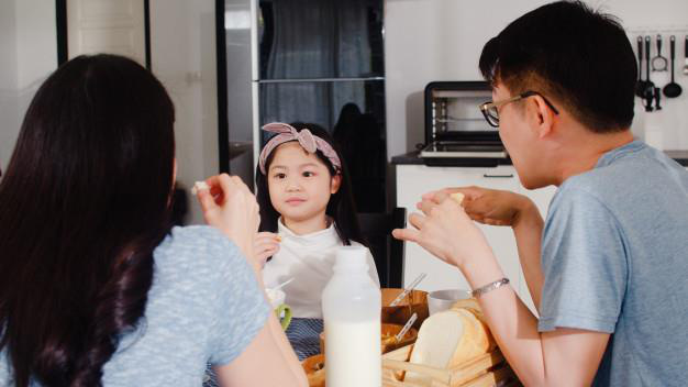 Tất bật thay nhau nghỉ làm trông con, phụ huynh mát lòng nghe trẻ thỏ thẻ: ở nhà cùng bố mẹ cả ngày đều vui! - Ảnh 3.