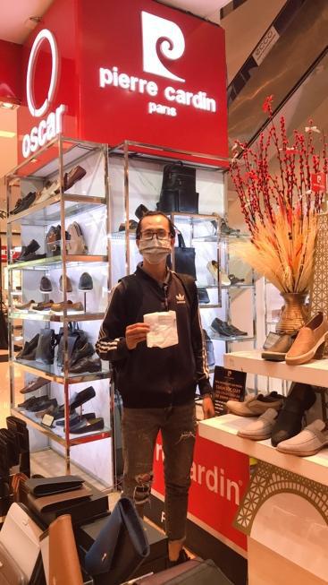 Pierre Cardin Shoes và Oscar Fashion phát miễn phí 50.000 khẩu trang kháng khuẩn & khẩu trang thời trang trên toàn quốc - Ảnh 2.