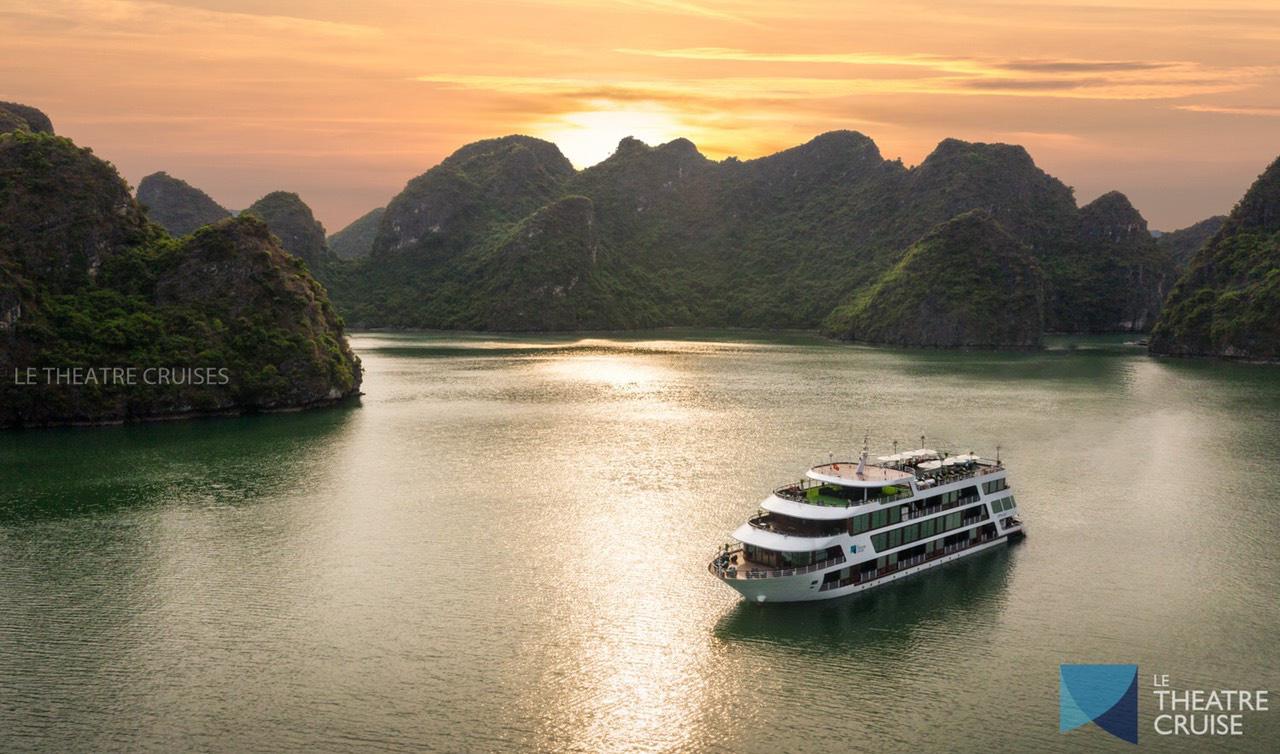 Du thuyền 5 sao trên vịnh Hạ Long - xu hướng nghỉ dưỡng độc đáo mới của giới sành chơi Việt - Ảnh 10.