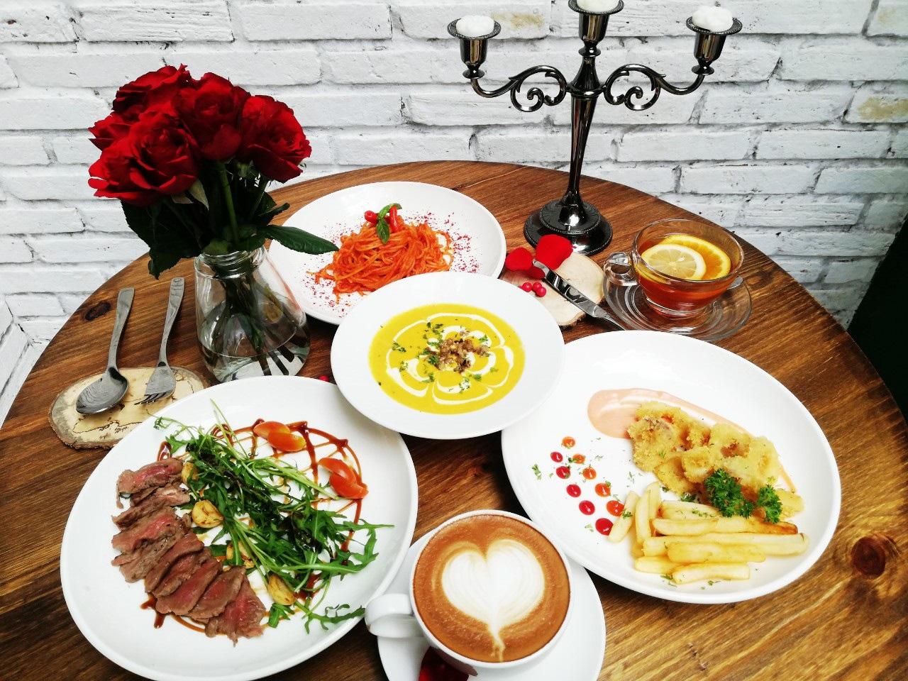 Bất ngờ với AKÓMA Café & Fusion – Một không gian châu Âu tối giản giữa lòng Sài Gòn - Ảnh 10.