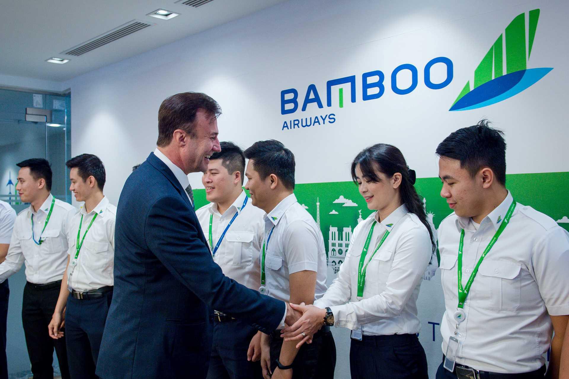 Bamboo Airways gặp mặt khóa phi công tập sự đầu tiên - Ảnh 1.