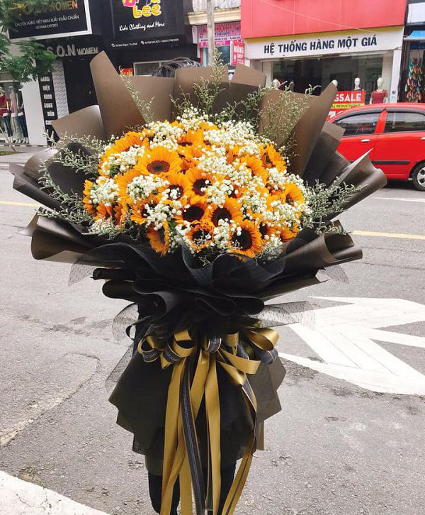 Những bó hoa siêu to khổng lồ làm nàng choáng ngợp - Ảnh 6.