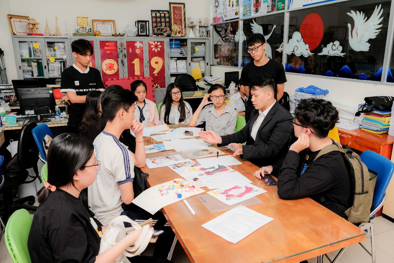 Cuộc thi Thiết kế áo lớp do HUTECH tổ chức sẽ nhận bài đến ngày 15/3 - Ảnh 2.