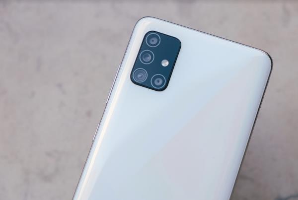 Galaxy A51 thống trị phân khúc với nhiều tính năng vượt trội - Ảnh 1.