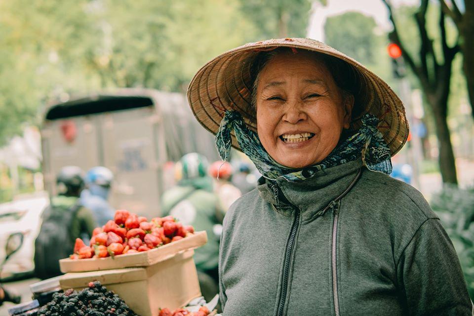 Cùng Chan La Cà nghe chuyện về những người mẹ gạt bỏ trải nghiệm riêng để thấy có những phụ nữ chỉ mới sống như 1 nửa bông hồng - Ảnh 2.