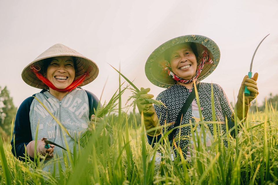 Cùng Chan La Cà nghe chuyện về những người mẹ gạt bỏ trải nghiệm riêng để thấy có những phụ nữ chỉ mới sống như 1 nửa bông hồng - Ảnh 4.