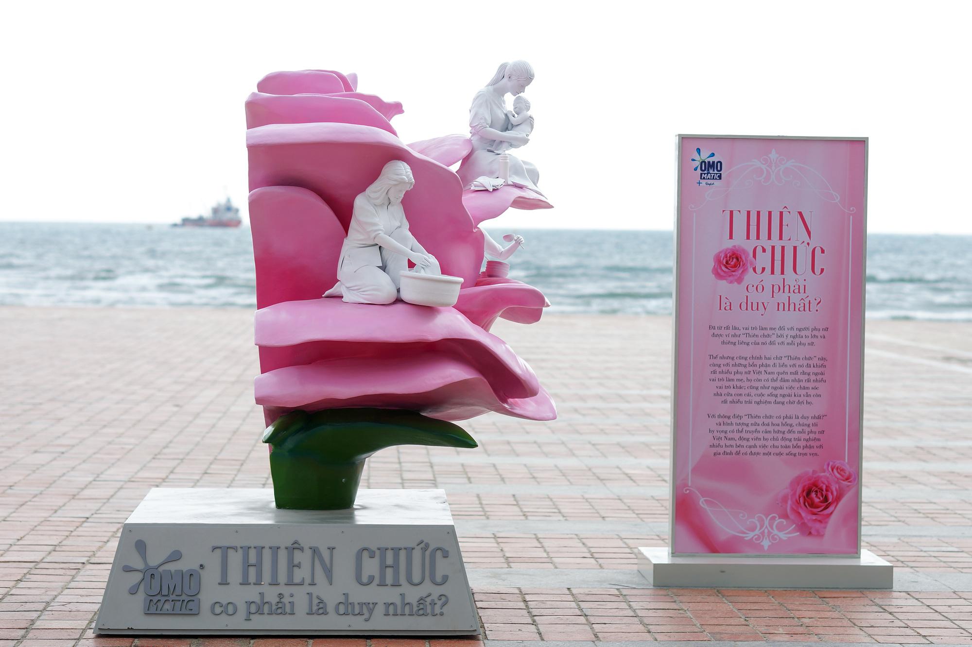 Cùng Chan La Cà nghe chuyện về những người mẹ gạt bỏ trải nghiệm riêng để thấy có những phụ nữ chỉ mới sống như 1 nửa bông hồng - Ảnh 7.