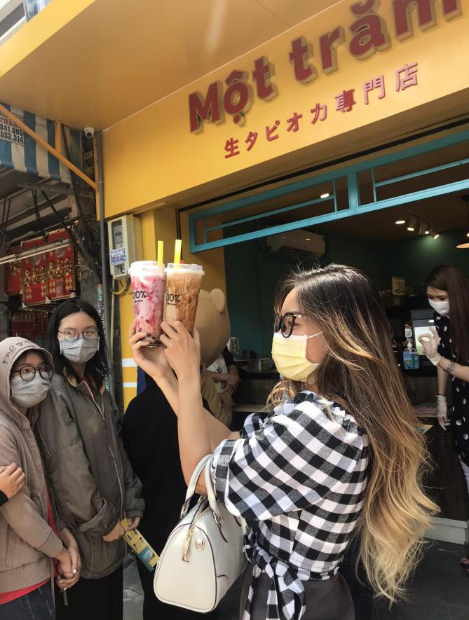 Người Sài Gòn háo hức check in với thương hiệu trà sữa 100% - Một trăm'' gây sốt từ Nhật Bản - Ảnh 9.