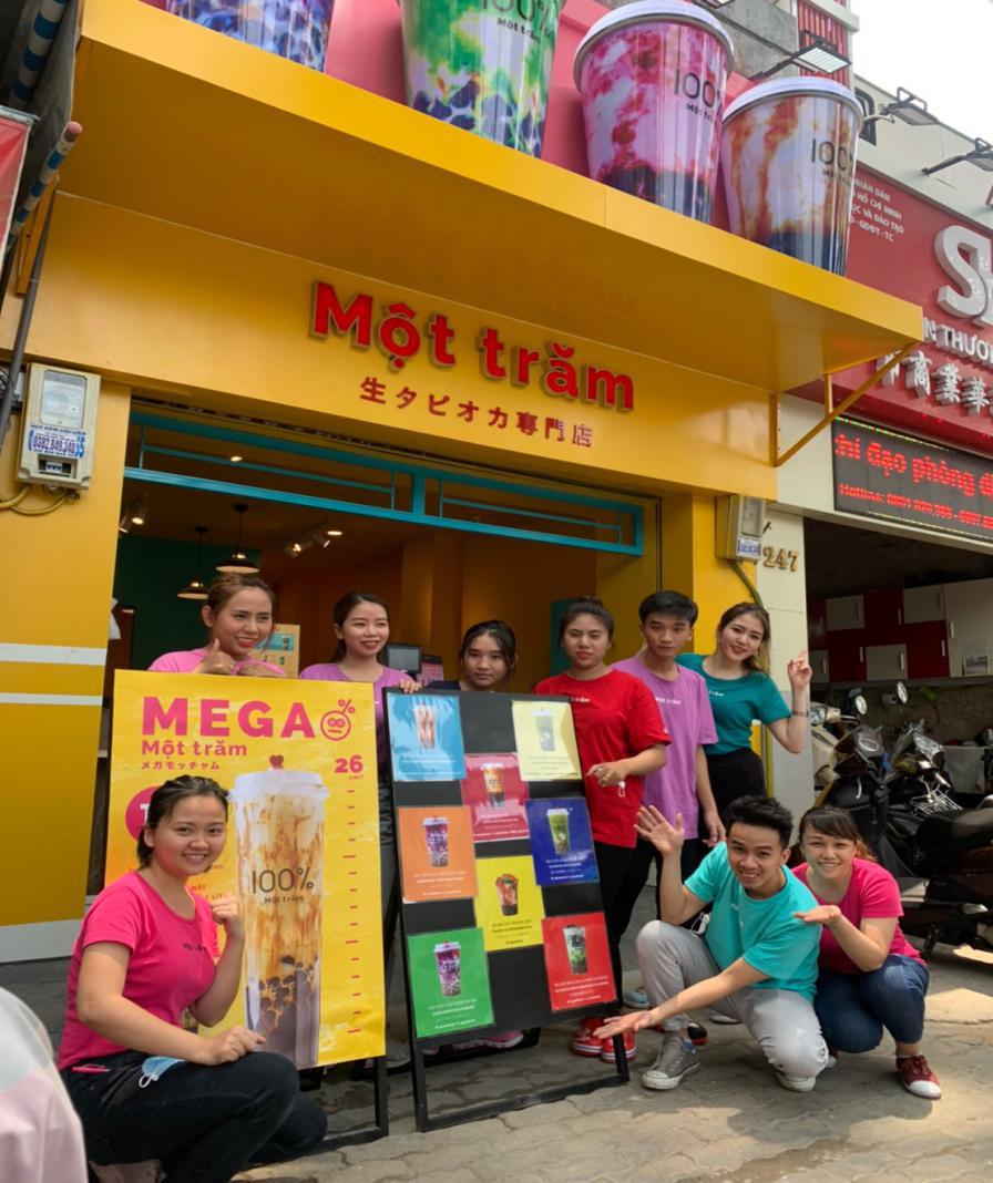 Người Sài Gòn háo hức check in với thương hiệu trà sữa 100% - Một trăm'' gây sốt từ Nhật Bản - Ảnh 10.