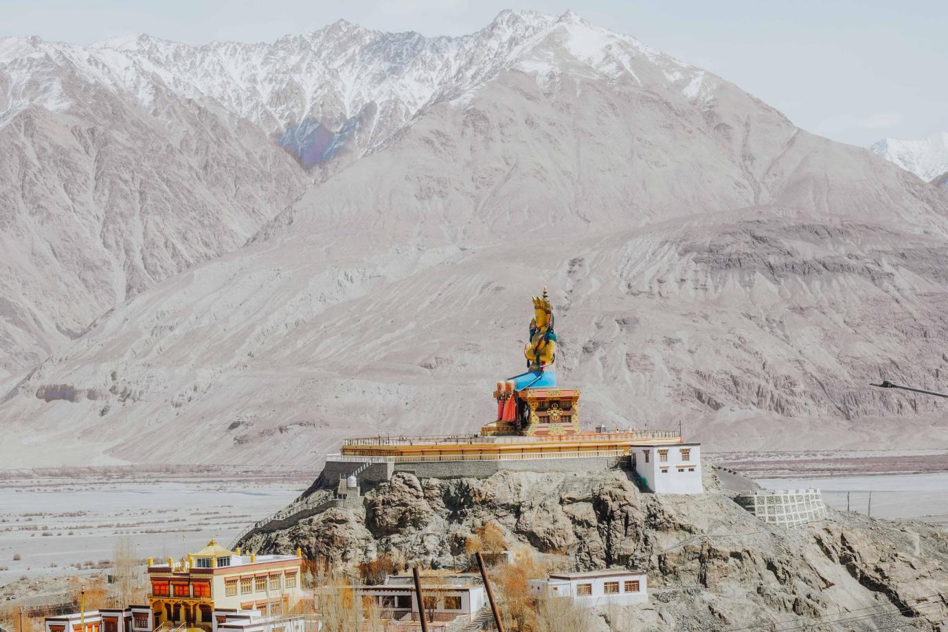 Những trải nghiệm không dành cho những người thích an nhàn tại Ladakh - Tiểu Tây Tạng của Ấn Độ - Ảnh 4.