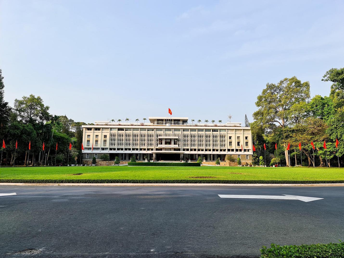 Ở nhà tranh thủ ngắm nhìn Sài Gòn ngay lúc này: nhận ra nhiều điều hay, vẻ đẹp mình lỡ đánh rơi - Ảnh 7.