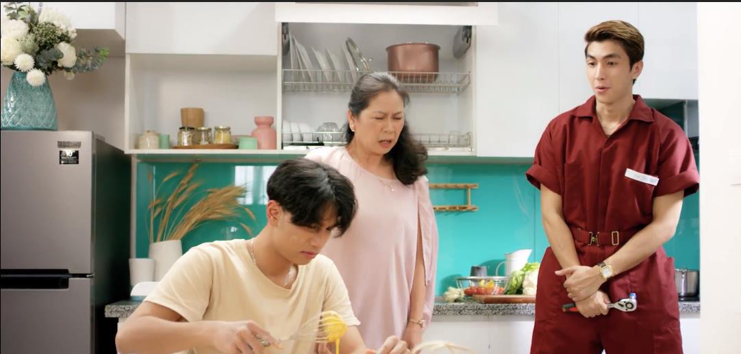 """Bình An gây bất ngờ với MV """"Sáng mắt chưa"""" phiên bản parody - Ảnh 2."""