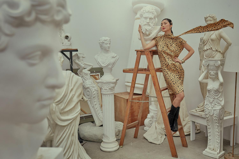 2020 rồi, ngại gì mà không tự làm người nghệ sĩ vẽ phong cách thời trang của riêng mình! - Ảnh 2.