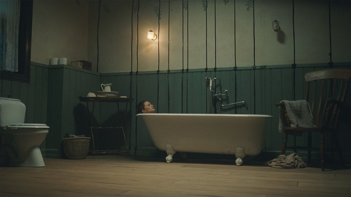 Phim kinh dị 2020: Xu thế dọa ma là trong phòng tắm! - Ảnh 5.