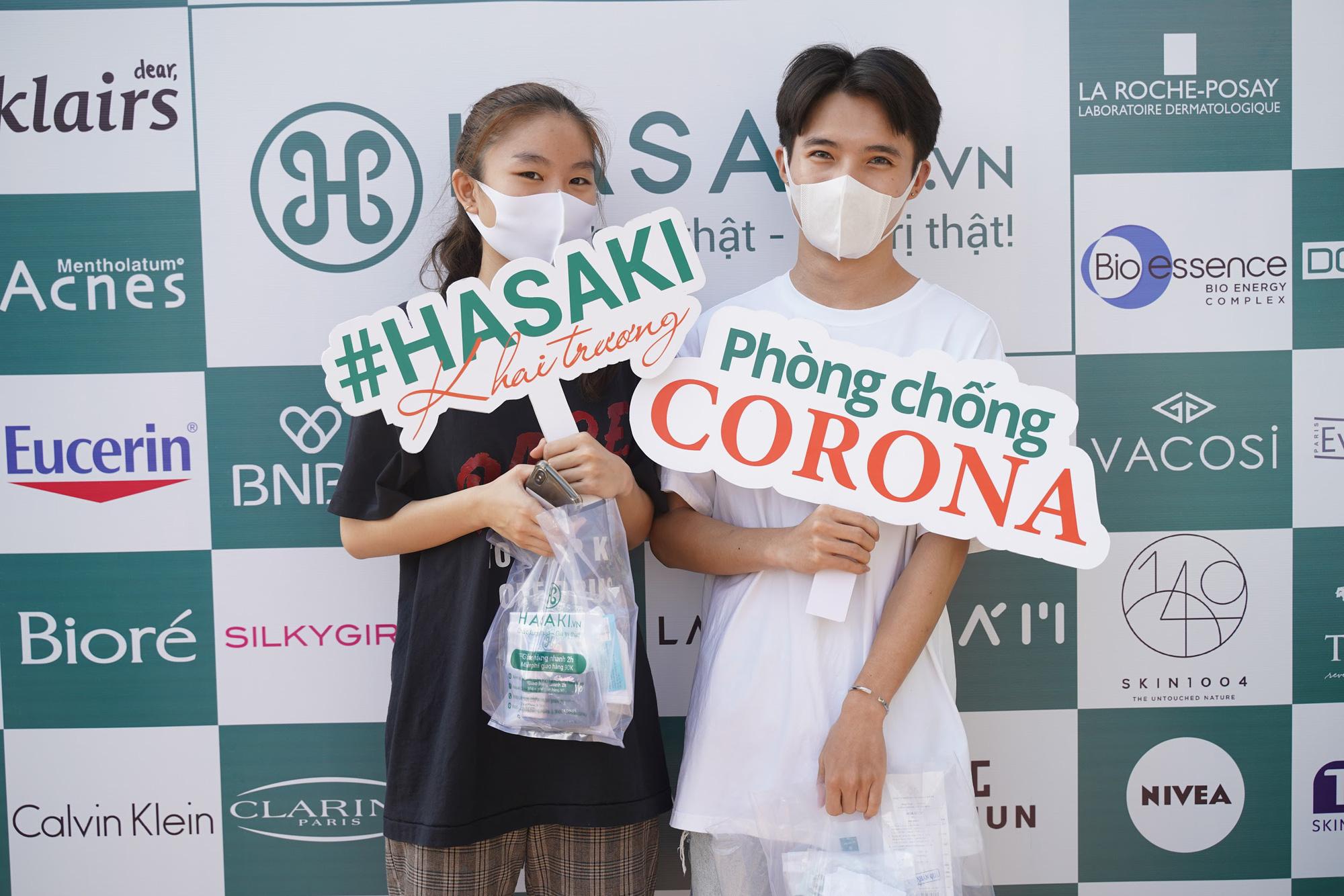 Lần đầu tiên khai trương 3 ngày, Hasaki tặng 3.000 khẩu trang, tung khuyến mãi khủng, chỉ 4.000đ đã mua được đồ chất - Ảnh 2.