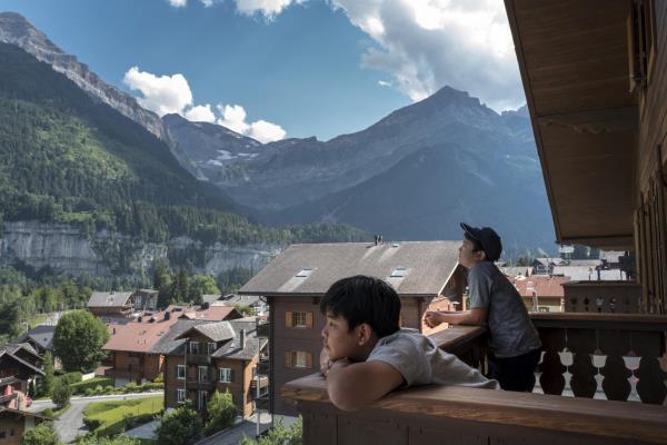 Chương trình du học hè Thụy Sĩ cả gia đình và khóa đại học ngành Du lịch Khách sạn - Ảnh 4.