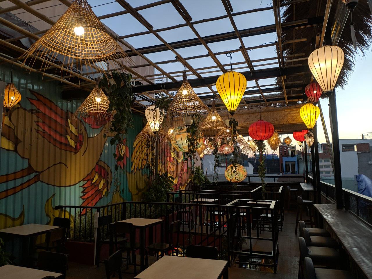 Quán chill mang phong cách Đại Việt nổi bật giữa khu vui chơi sầm uất bậc nhất Sài thành - Ảnh 6.