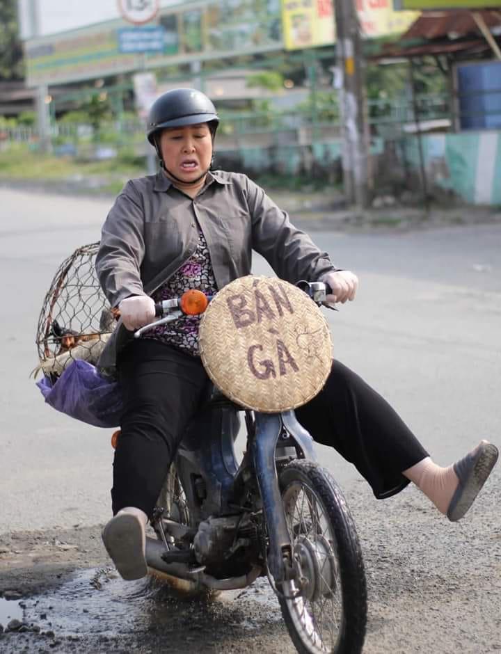 """Đại kê chạy đi của Hồng Vân tiếp tục hút """"triệu view"""", lọt bảng xếp hạng thịnh hành - Ảnh 2."""