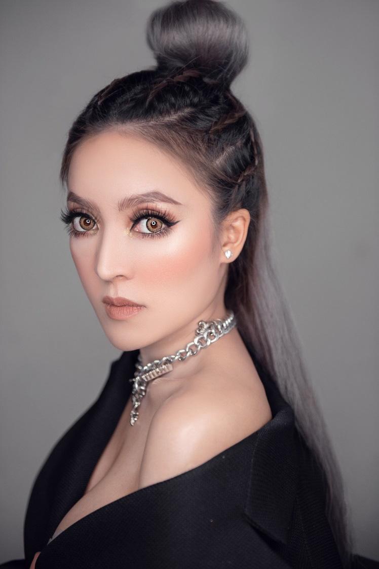 Louis Ayumi – phù thủy makeup nâng tầm vẻ đẹp Việt - Ảnh 1.