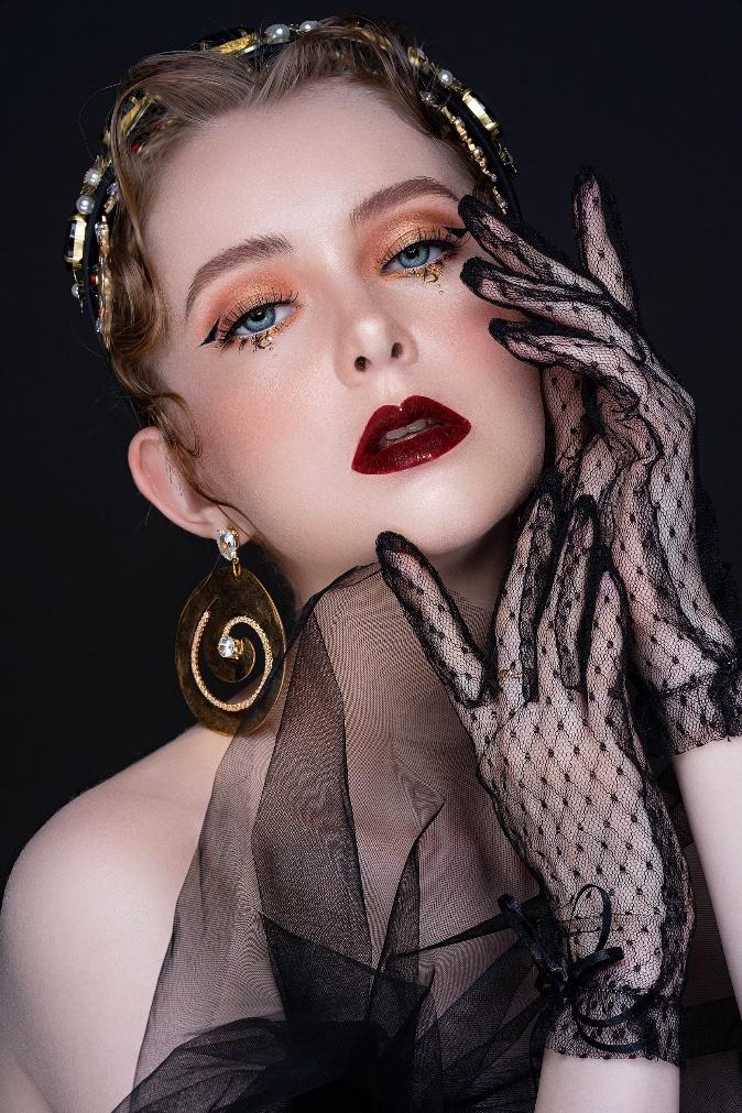 Louis Ayumi – phù thủy makeup nâng tầm vẻ đẹp Việt - Ảnh 3.