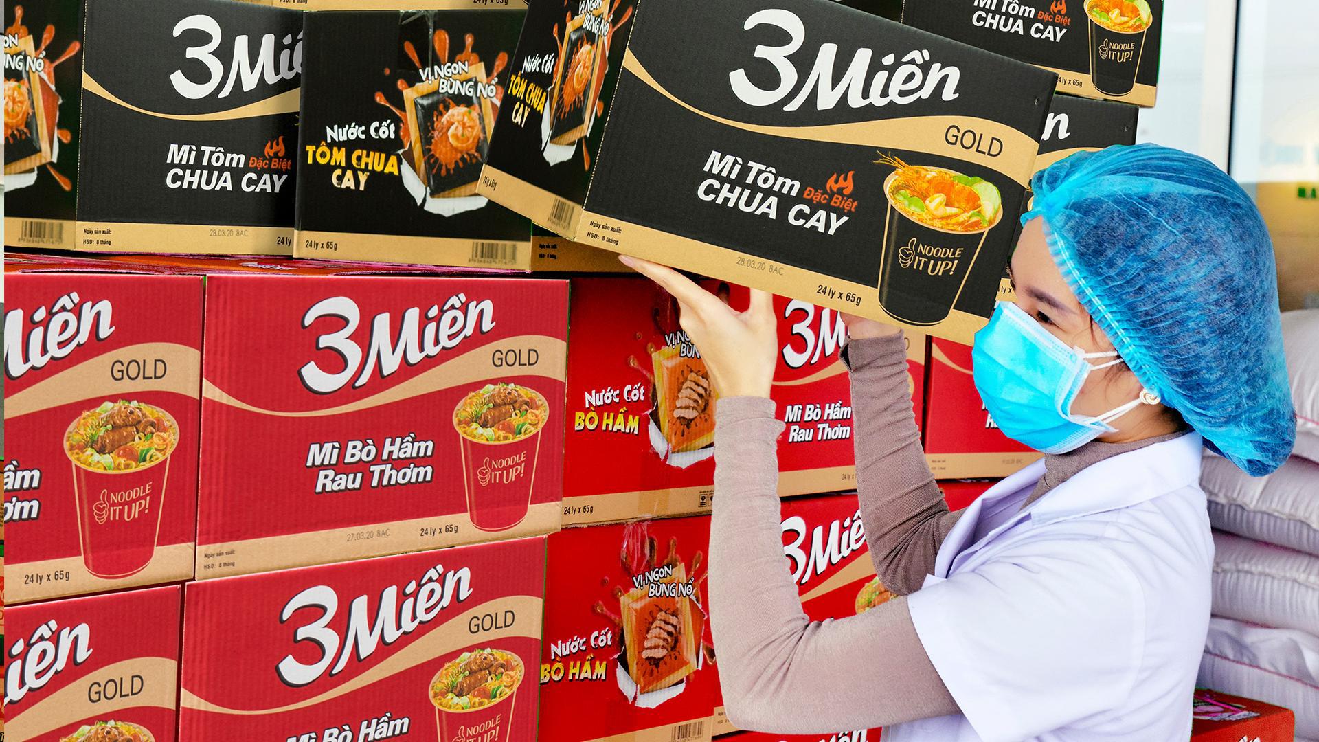 Uniben trao tặng 150.000 bữa ăn dinh dưỡng từ Mì 3 Miền và Nước trái cây Joco cho đội ngũ y bác sĩ các bệnh viện tuyến đầu - Ảnh 3.