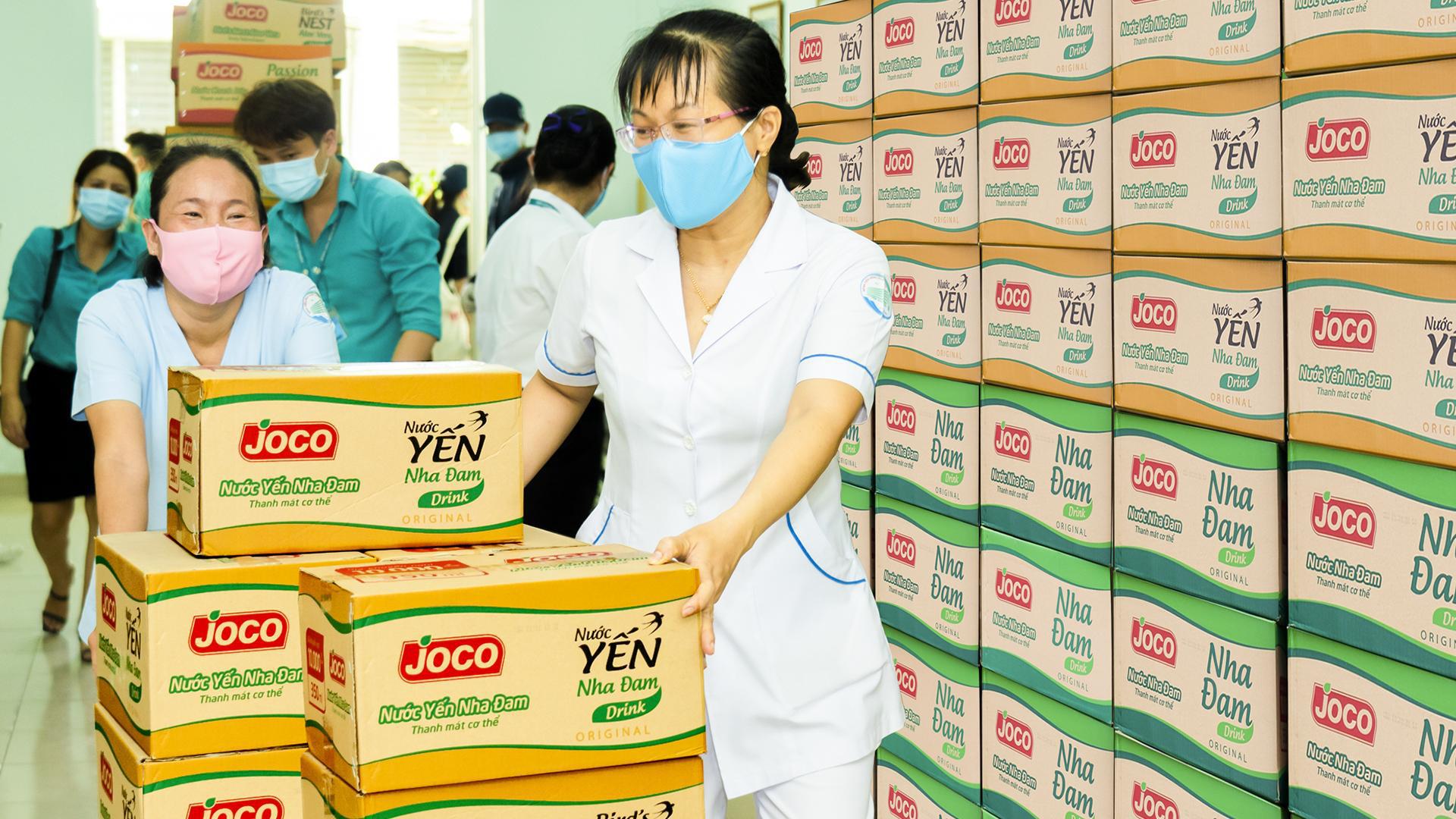 Uniben trao tặng 150.000 bữa ăn dinh dưỡng từ Mì 3 Miền và Nước trái cây Joco cho đội ngũ y bác sĩ các bệnh viện tuyến đầu - Ảnh 10.