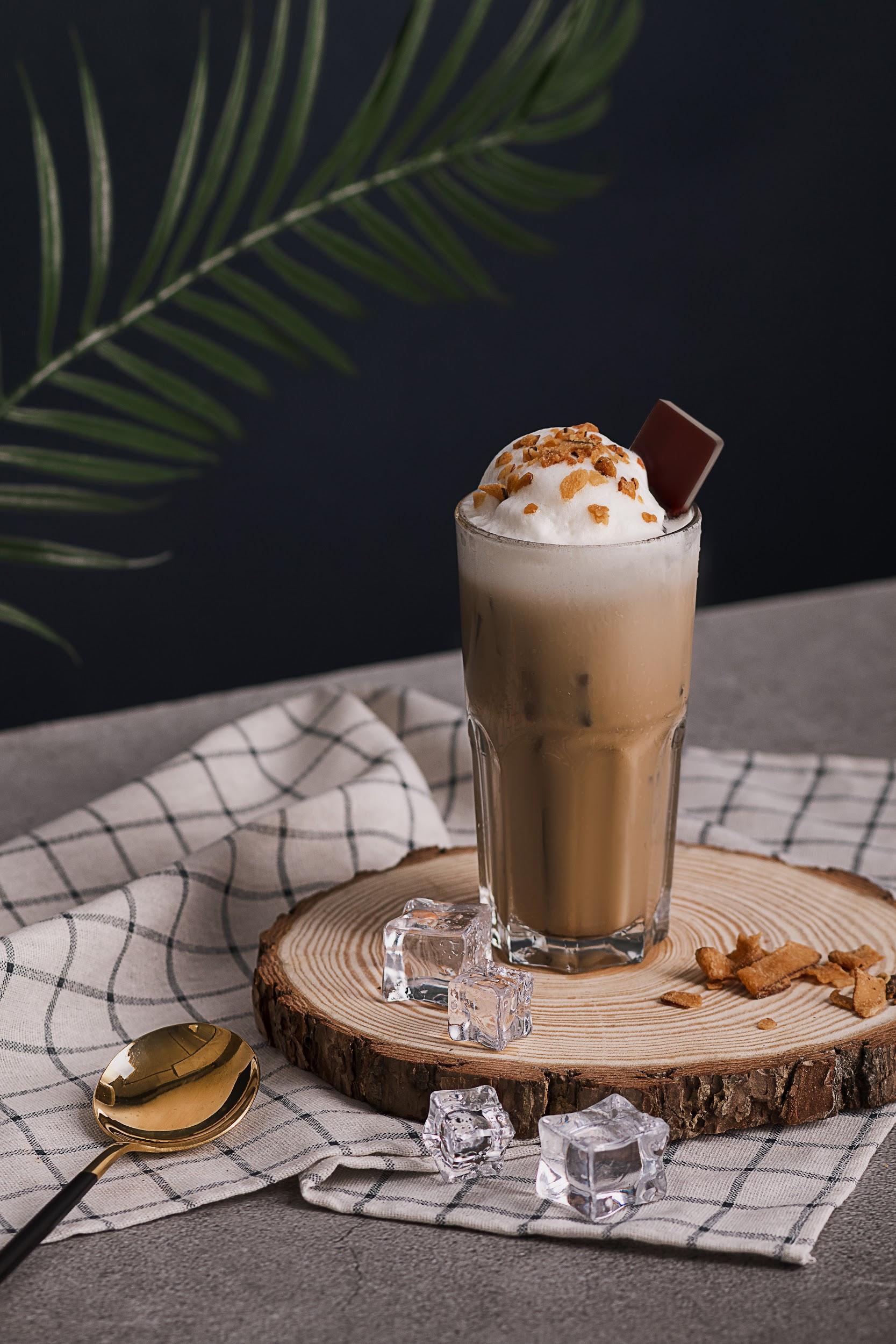 Hết Dalgona Coffee, trứng bồng bềnh, nay lại có hai công thức cà phê mới cho giới trẻ tha hồ trổ tài pha chế tại nhà chuẩn như ngoài tiệm - Ảnh 3.